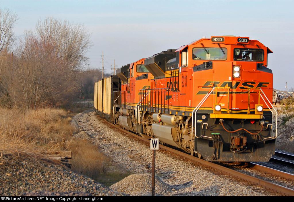 BNSF 9313 and bnsf 9392 haul a sb coal down the k line.