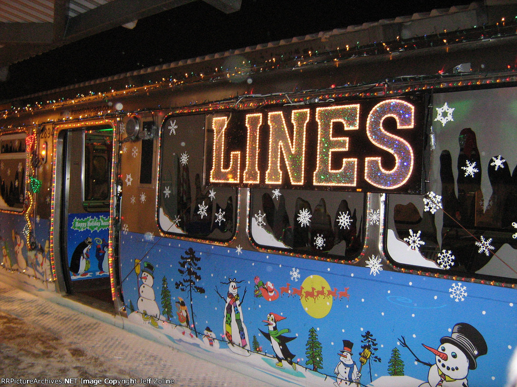 2008 CTA Holiday Train at Howard