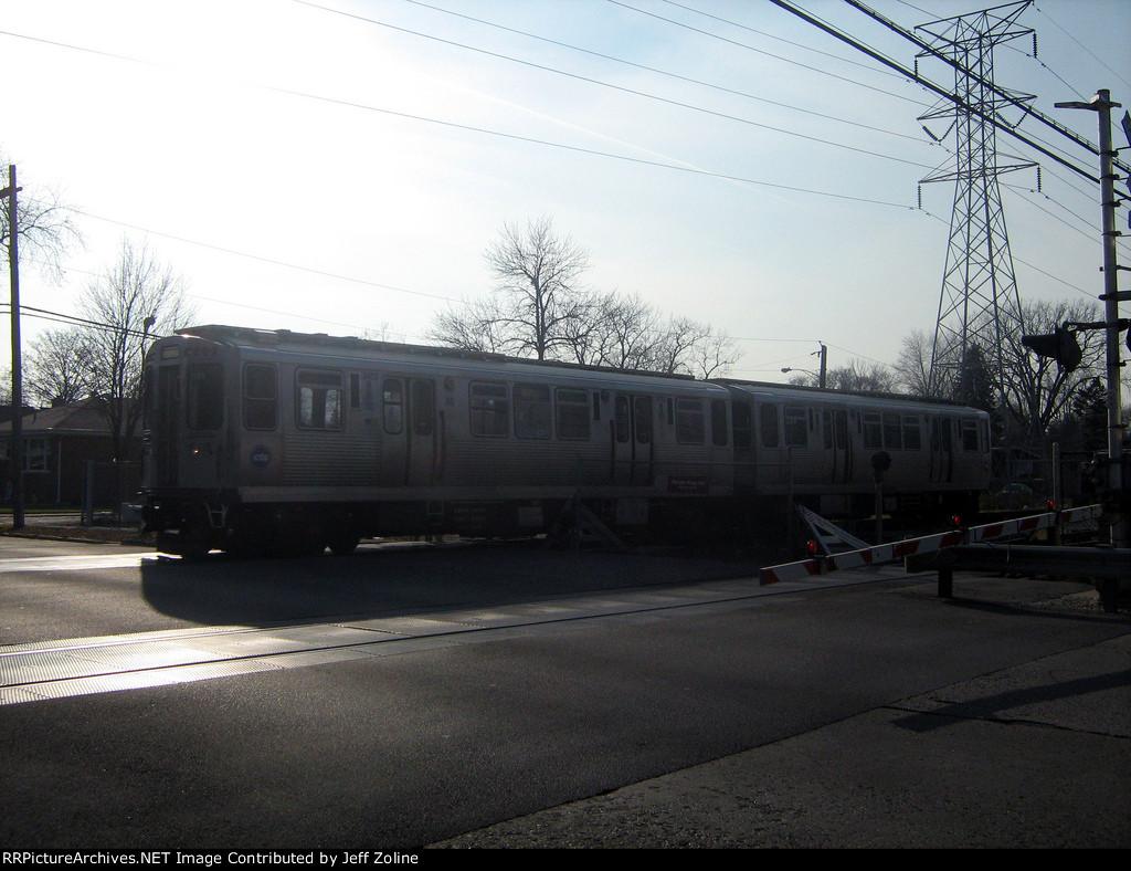 CTA Skokie Swift Train en route to Howard