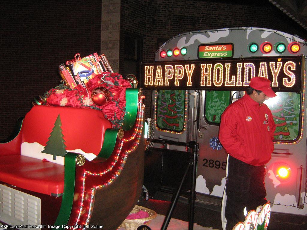 2009 CTA Holiday Train at Howard