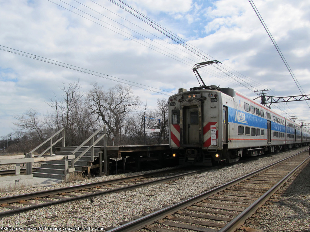 Metra Electric Distric Train at 59th Street (University of Chicago)