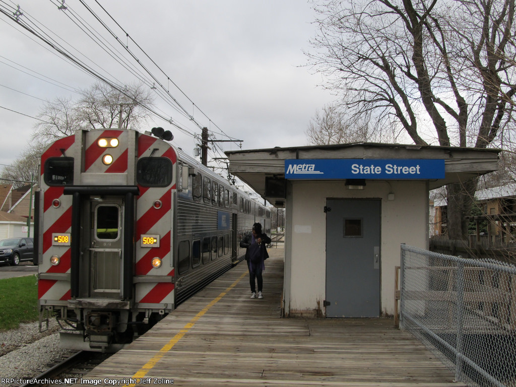 Metra Electric District Train at State Street