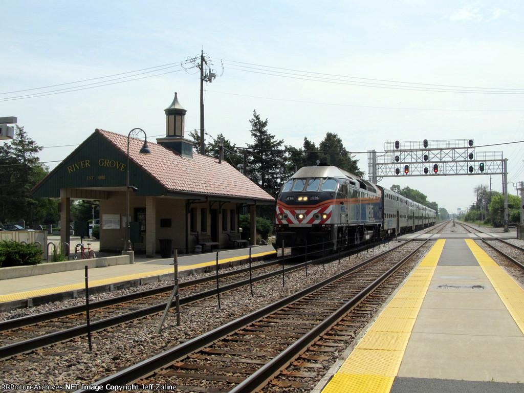 Metra MDW Train at River Grove