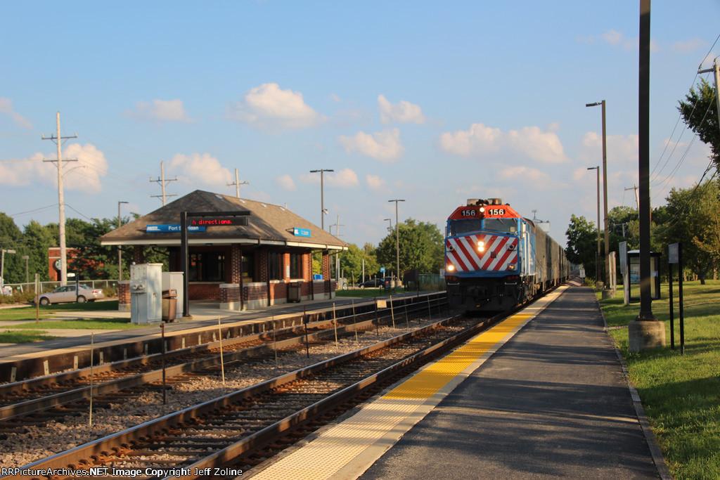 Metra UPN Train at Fort Sheridan