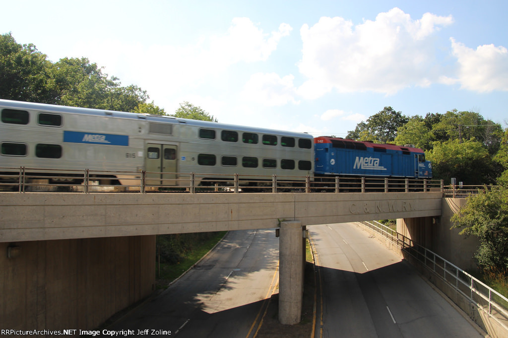 Metra UPN Train passing over the Chicago & NorthWestern Railway Bridge in Lake Forest