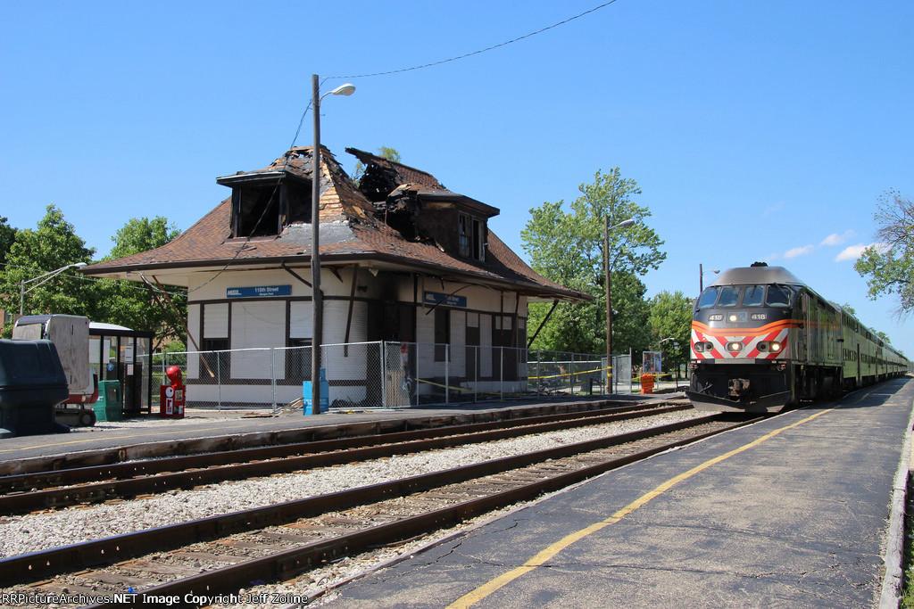 Metra Rock Island Train passing the 115th Street/Morgan Park Station following Fire Damage