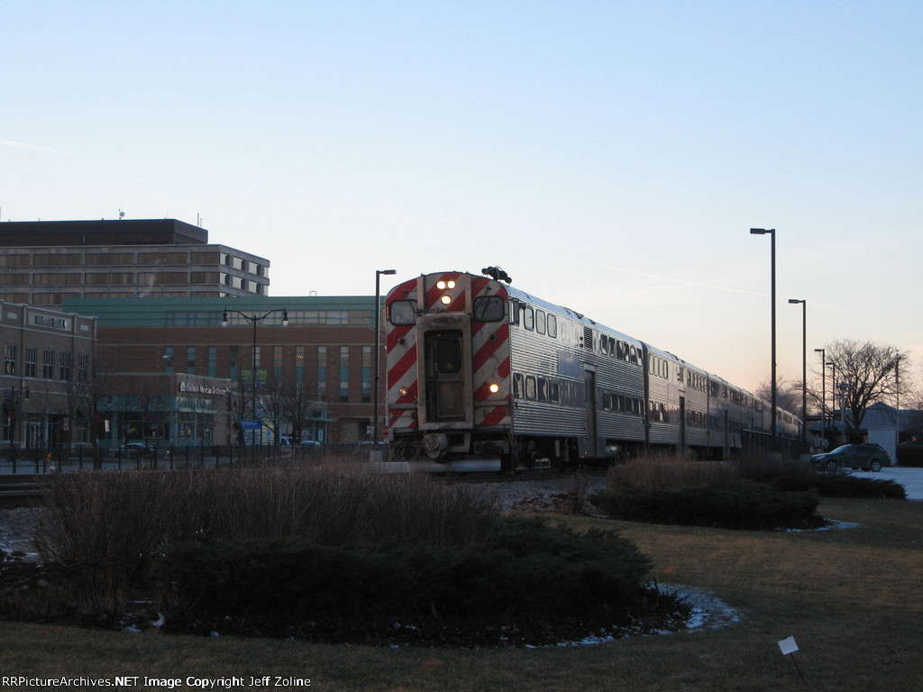 Metra UPNW Train leaving the Des Plaines Station