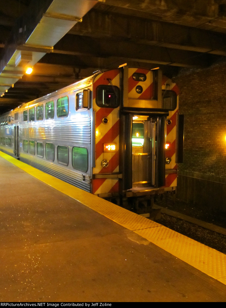 New Metra Electric Train Cars at Millennium Station