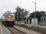Metra MDN Train at Mayfair