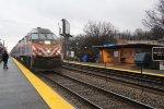 Metra MDN Train at Edgebrook