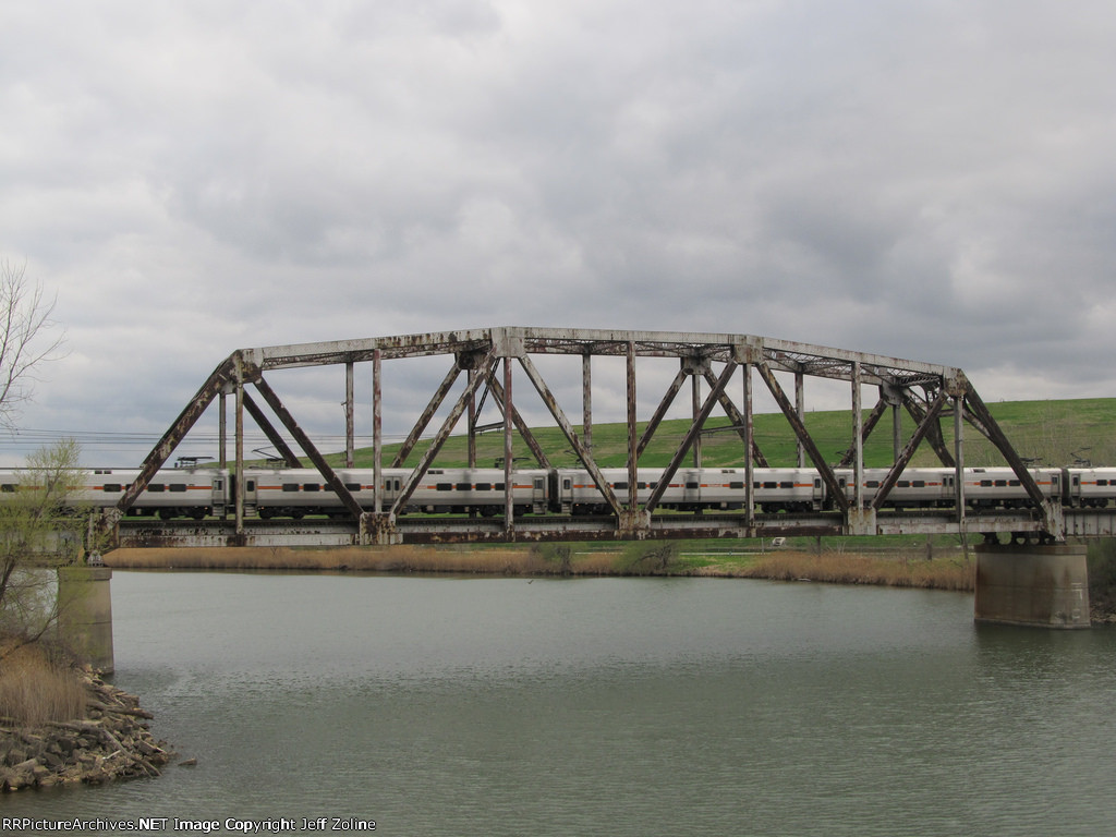 South Shore Line train crossing the Calumet River over the 130th Street Railroad Bridge