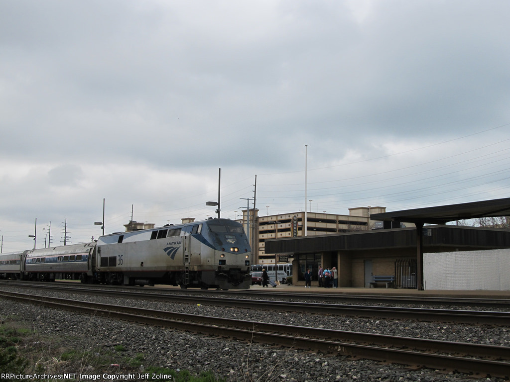 Amtrak Wolverine Train at Hammond-Whiting Station