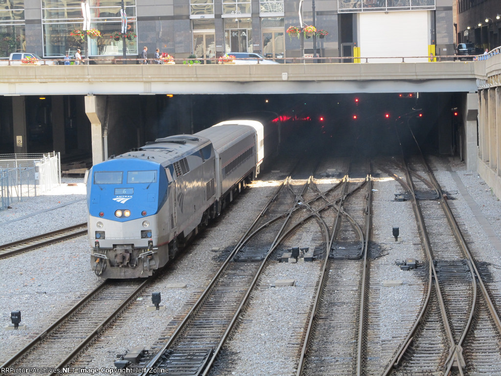Amtrak Hiawatha Train pulling out of Chicago Union Station