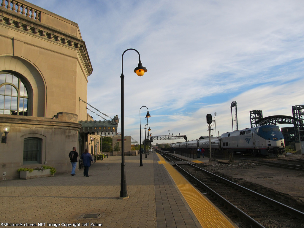 Amtrak Lincoln Service at Joliet Union Station