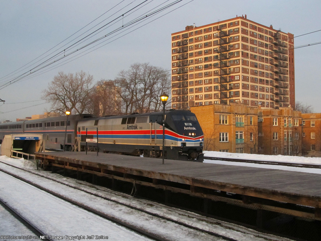 Amtrak Illini Train passing through Hyde Park near 59th Street