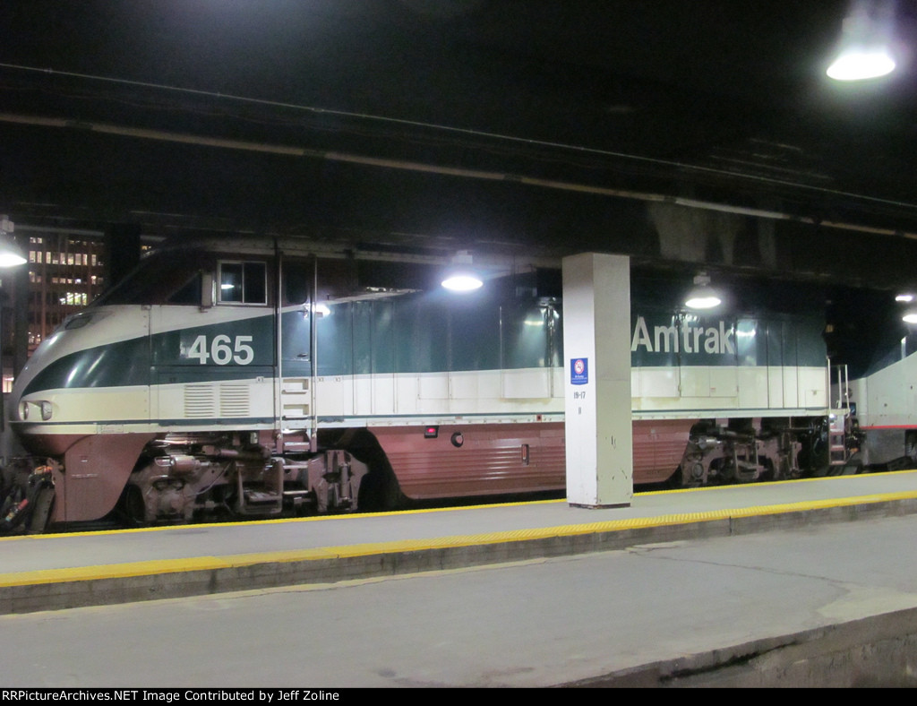Amtrak Cascades Train at Chicago Union Station