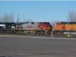 BNSF 4716, 4143 & NS 9526