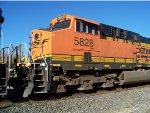 BNSF ES44AC 5828