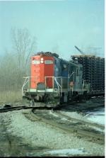 GT 4907 leads a auto parts train