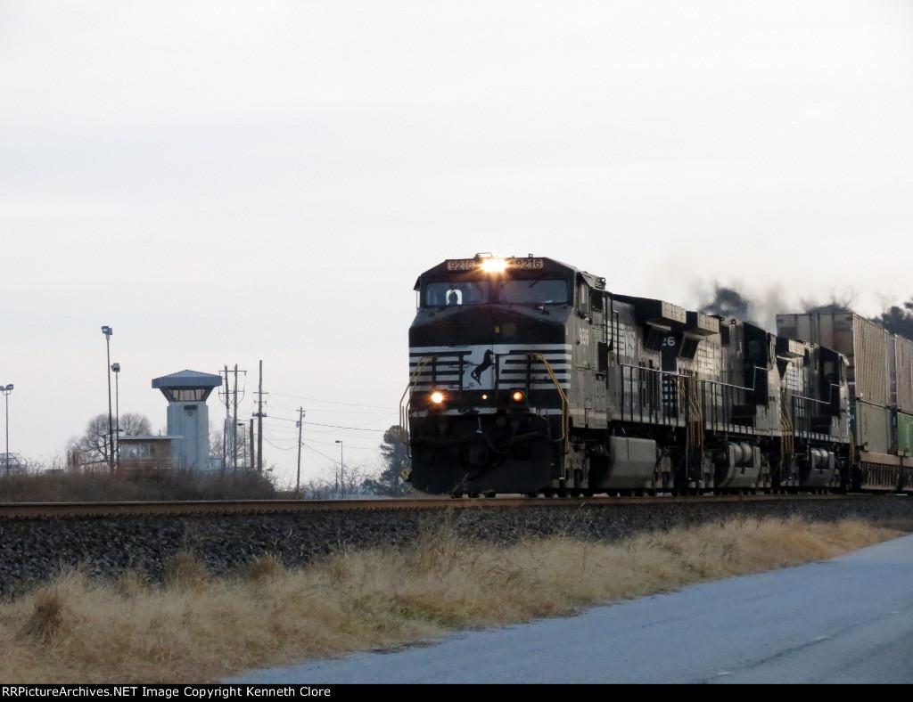 NS train #203 (Intermodal) (Rutherford, PA - Atlanta, GA) (pic 3)