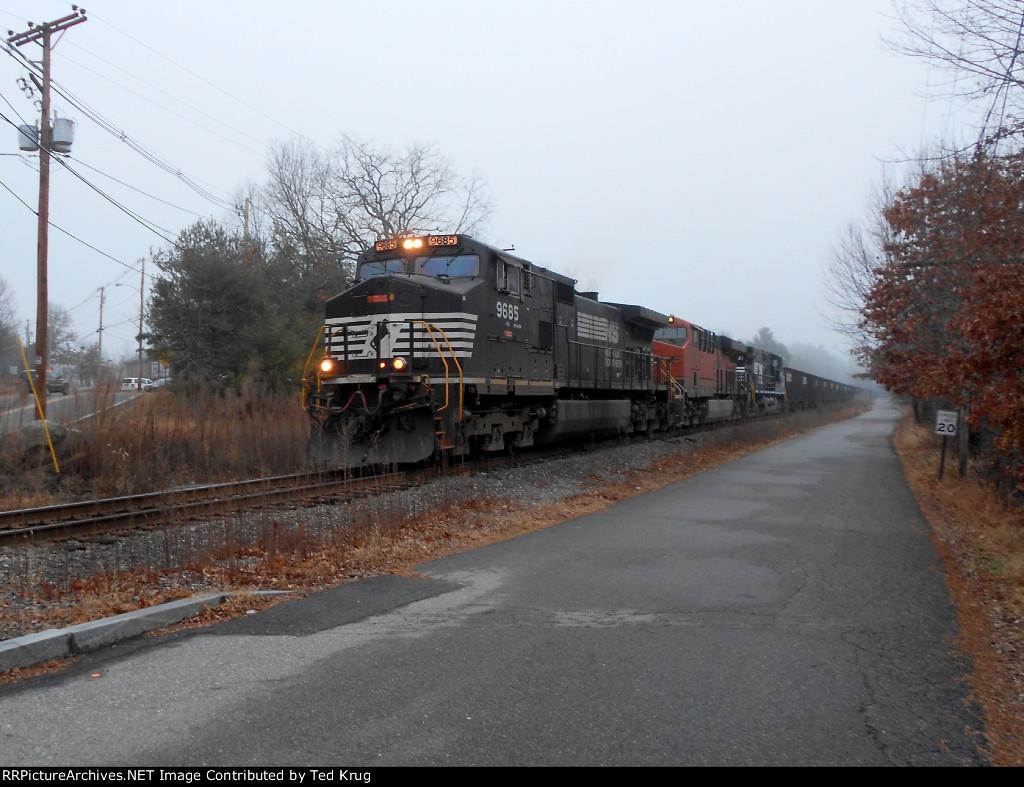 NS 9685, BNSF 6668 & NS 8987