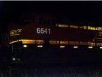 BNSF ES44C4 6641