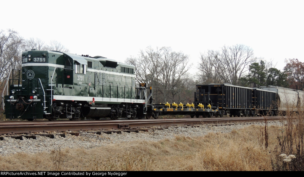 GRLW 3751 / GP9 leading a parked mixed freight train