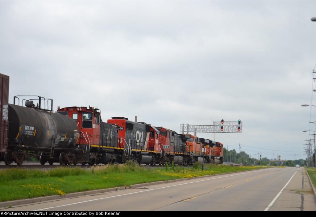BNSF 9087 5908 GTW 5928 WC 1569