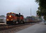 BNSF #6685 Splits the Signals