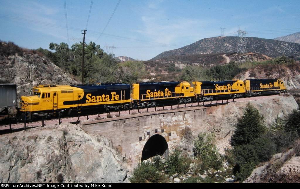Santa Fe FP45 5974
