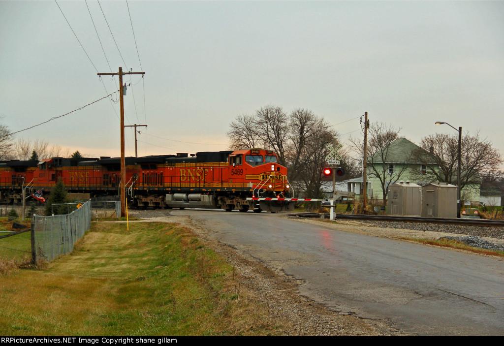 BNSF 5469 Heads an Eb stack train.