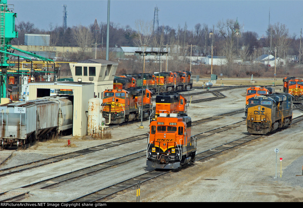 BNSF 2815 Sits with Alot of power.
