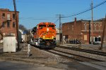 BNSF 9105 gets closer to me as she heads eastward towards BNSF Galesburg, IL for a crewswap.