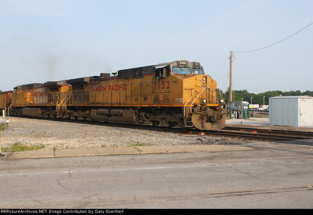 UP 7152 and UP 7198 - Union Pacific