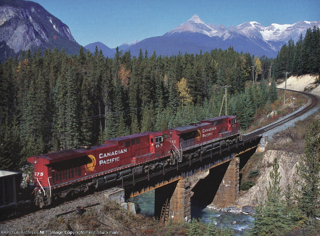 CP 9532 leads 8575