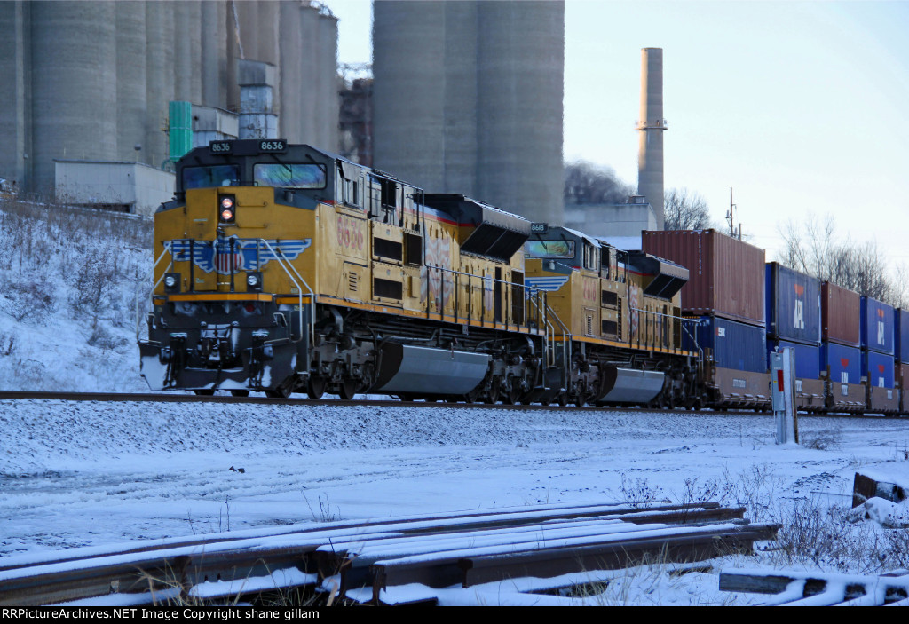 UP 8618 heads up dpu on a wb stack.