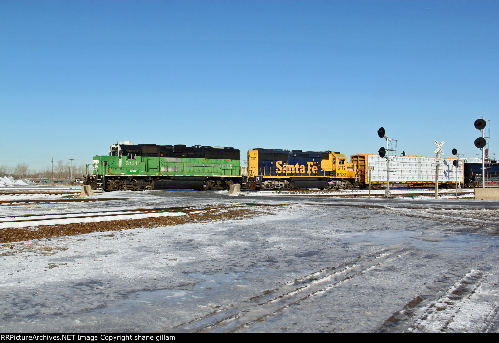 BNSF 3131 heads SB toward the bnsf yard.