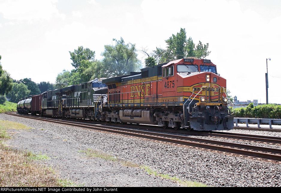 BNSF 4875 on K-041