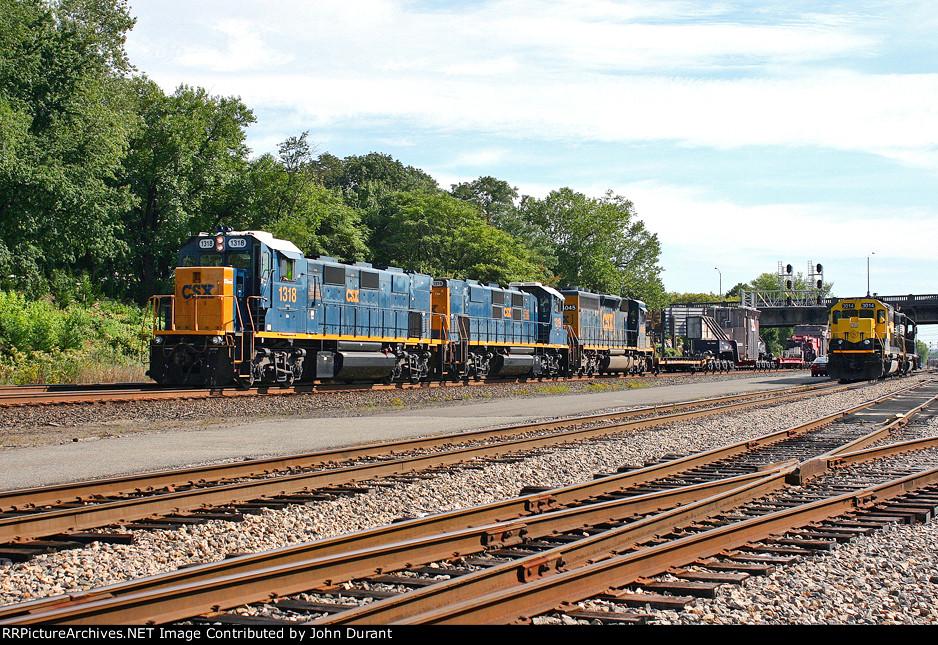 CSX 1318 on W-994
