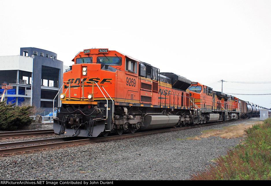 BNSF 9269 on K-040