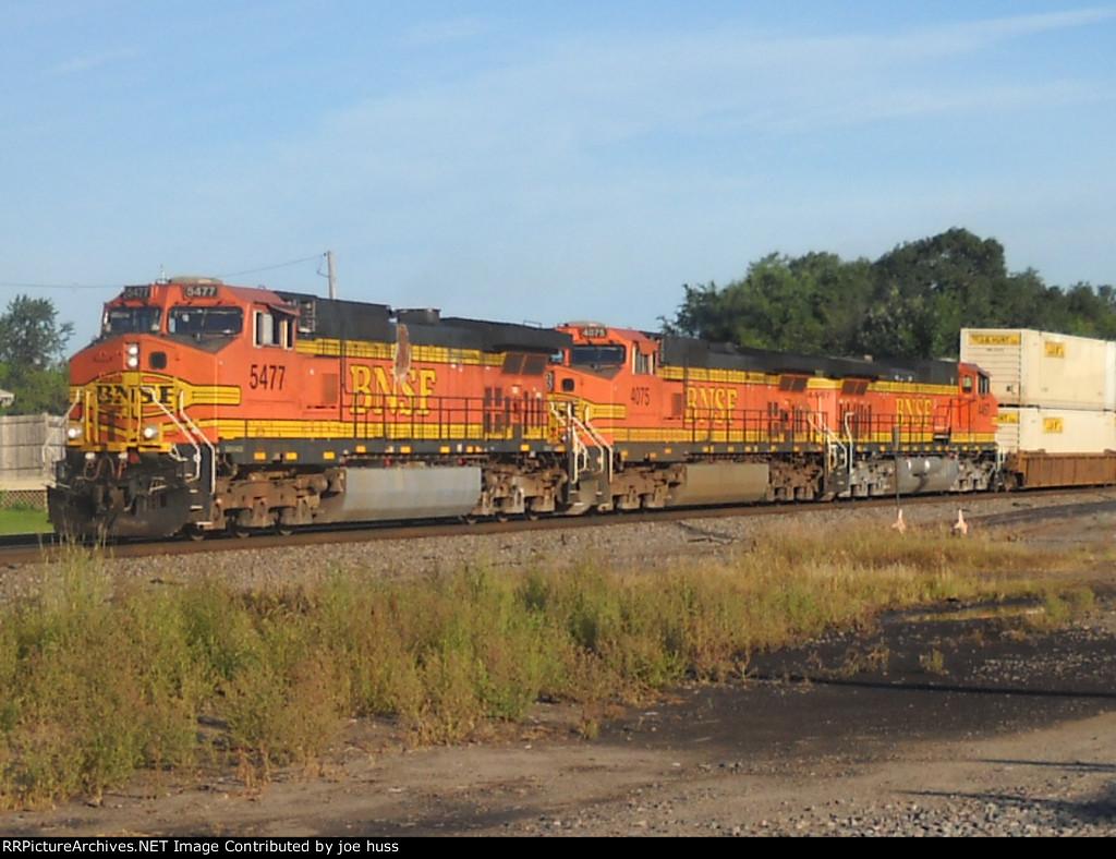 BNSF 5477 East