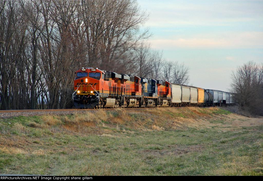 BNSF 7025 Heads up a Nice Lashup.
