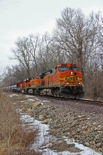 BNSF 4115 Holds the main.