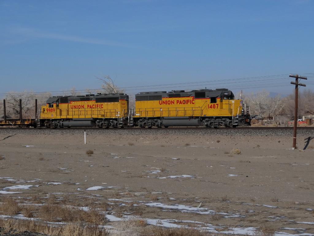 UP 1487 & 9989