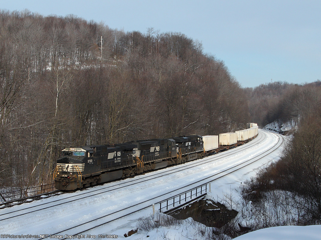 NS 9769 west at Mile 255 Pittsburgh Line