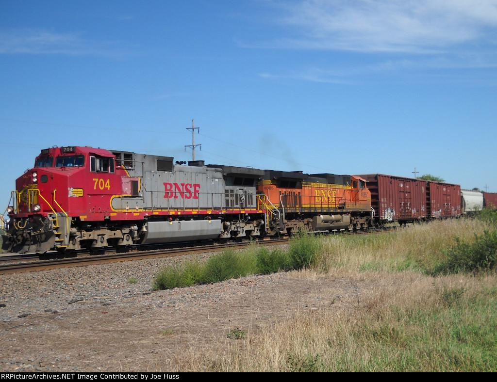 BNSF 704 West