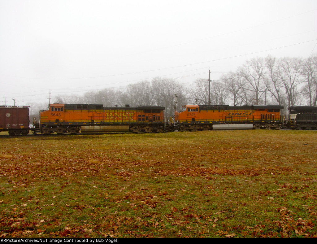 BNSF 5643 and 6796