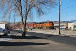 BNSF 7424 Point On A East Bound Beer Train From Golden