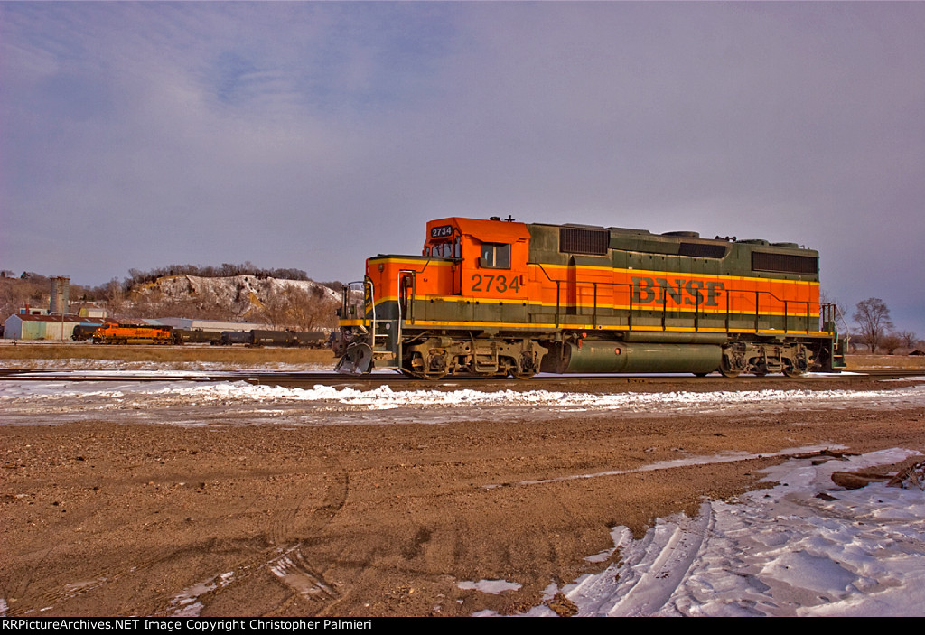 BNSF 2734 and BNSF 6369