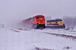 BNSF 9120 Leads C-NAMTHH0-34